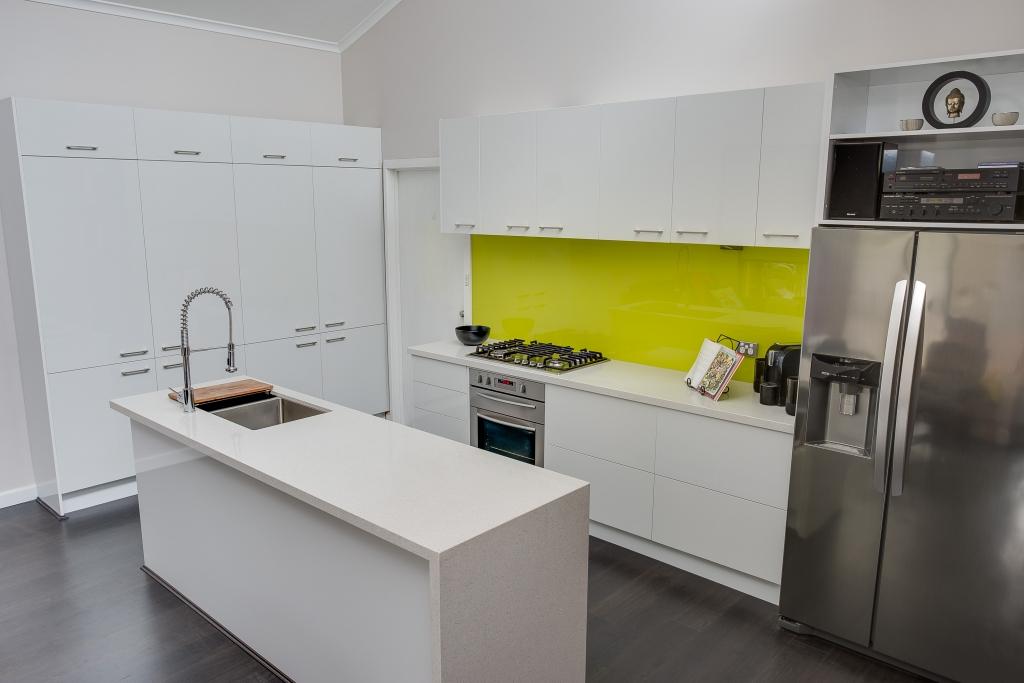 White Gloss Kitchen Design Ideas ~ White gloss kitchen design ideas find inspiration in